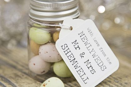 Creative Wedding Favours Vs Traditional What Should You Do